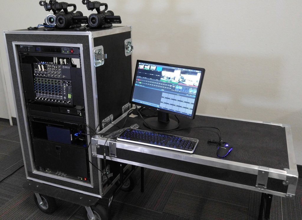 Mobile sports video production studio videotex the for Mobile studio